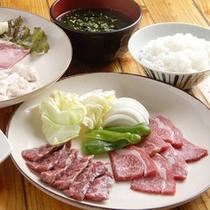 *【夕食一例】素材本来の味がしっかり楽しめる焼肉でお召し上がり下さい。
