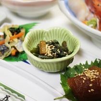 *【夕食一例】1品1品丁寧に仕上げた、小鉢料理。