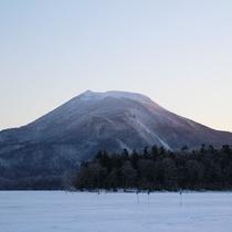 *【周辺】雄阿寒岳や雌阿寒岳への登山拠点宿としてもご利用いただけます。
