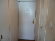 客室入口ドア