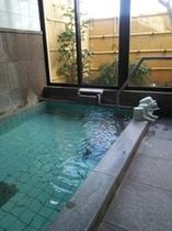 24時間入浴出来る富士山天然水風呂