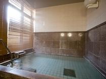 富士山天然水☆明るいお風呂