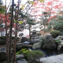 四季折々の顔を見せる庭園