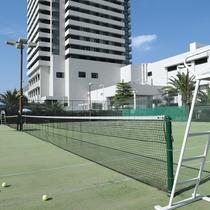 テニスコート(ヘルスクラブ内)