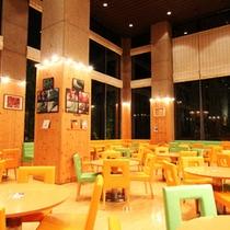 ブッフェレストラン「クローバー」(夜)