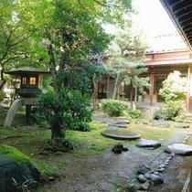 自慢の日本庭園