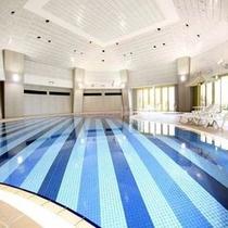 夏季限定!「館内プール」をご利用いただけます。