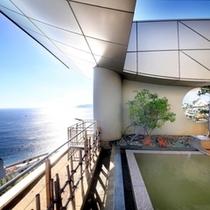 海が広がる絶景を一望「展望露天風呂」