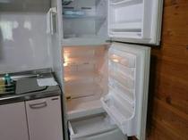 コテージ内の冷蔵庫