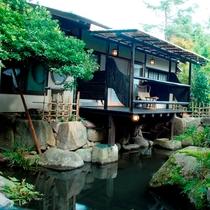 (離れの茶室宿)専用庭園側からの弘陽亭外観
