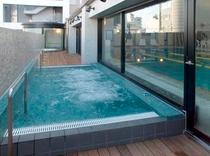 フィットネス 温水プール
