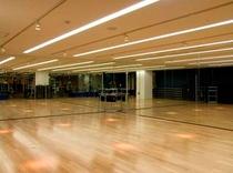 フィットネス ダンススタジオ