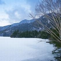 冬の湯の湖7