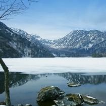 冬の湯の湖6