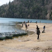 湯ノ湖釣り風景