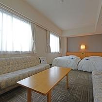 *【ツインルーム】最大4名様までご利用いただけるお部屋。33平米の広々空間です!