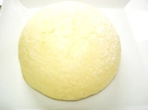 白い雪山(メロンパン)