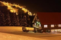 冬の飯士山荘