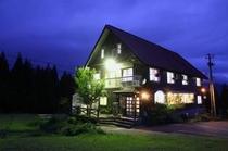 グリーンシーズンの飯士山荘