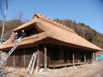 兜屋根の古民家(芦川村)