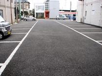 先着38台無料駐車場