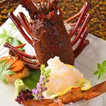 別注文用・伊勢海老造り。記念日旅行等で、食事に彩を加えるためご注文されるお客様も。
