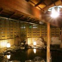 大浴場は内風呂・露天ともに男女各一か所。もちろんすべて加水加熱無しの源泉使用です。