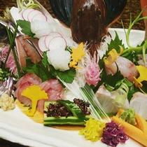 *【熱海の地魚盛り(一例)】熱海湾・網代湾で水揚げされる魚の中から4~5点をご提供します。
