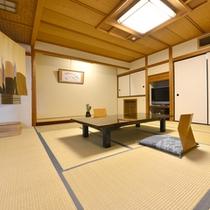 """露天付き客室では、歴史ある源泉""""清左衛門湯""""の天然温泉をご自分のお部屋で楽しめます。"""