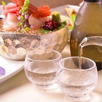 ご夕食時には、アルコールも。日本酒が下火と言われていますが、当館では大吟醸がとてもよく注文されます。