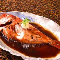別注文用・金目鯛の煮つけ。金目鯛の煮つけが付いたお得なプランも。金目鯛はもはや伊豆の名産です。