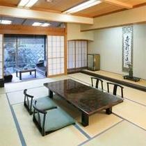 創業200年の当館では、各お部屋の掛け軸もすべて歴史ある本物。歴史の一端をご鑑賞ください。
