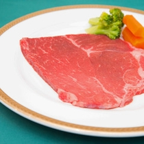 *ワンちゃん専用お食事ステーキ/3780円お電話にて事前にご予約をお願い致します。