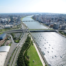 萬代橋側 昼間の眺望