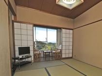 和室6畳(山並の景色の見えるお部屋)