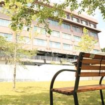 【D+KIRISHIMA】疲れたら木陰で一休み。 疲れたら木陰で一休み。