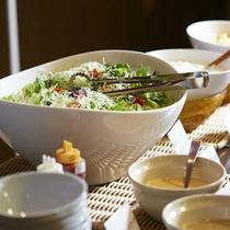 ご朝食のサラダ