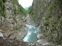清津峡(当ロッヂから車で約25分)