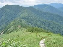 平標山(登山口まで当ロッヂから車で約45分)