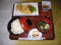 お食事:和風ハンバ-グ定食