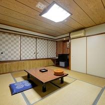 *【部屋(和室8畳)】最大4名様まで・シンプルな和室で思い思いにお過ごしください。