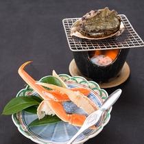*【夕食(カニ・アワビ)】【松】贅沢な鮑の踊焼&産地直送で海の香り豊かな蟹をお楽しみいただけます。