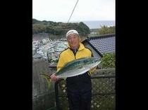主人が「はまや丸」で獲ってきた、旬の地魚をどうぞ!