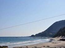 お部屋から見た光景です♪海と青空がきれい!今井浜ビーチはすぐそこ!