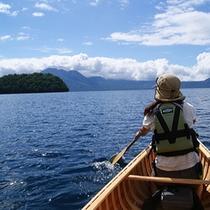 【カヌー体験・10月下旬迄】〜支笏湖の大自然の中をの〜んびり〜