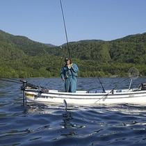 【釣り情報・遊魚案内・6月〜8月末迄】〜支笏湖でヒメマス釣りを楽しむ〜