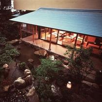 夜の庭園2(正)