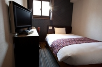 シングルルーム- single rooms全室、布団カバーは包布を採用!!