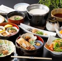【朝食】≪京風和食膳≫豆腐や京漬物など京都ならでは朝食を。