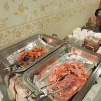*【朝食バイキング一例】洋食も和食も取り揃えております。